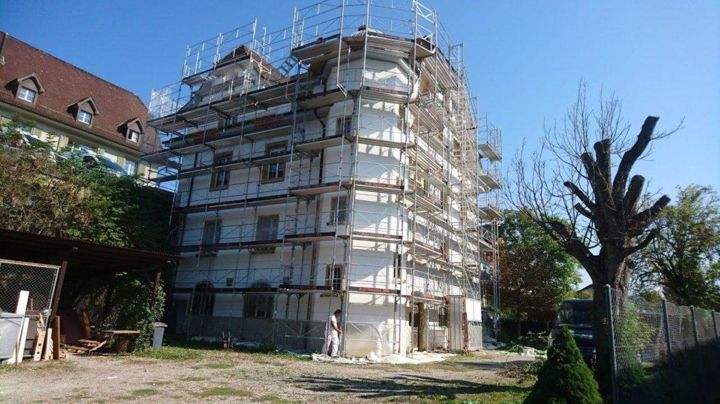 Fassadenrenovation ( Blechwerk, Dachuntersichten, Fassade, Sockel, Türen )